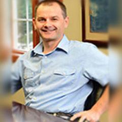 photo of Marcin Jakubowski